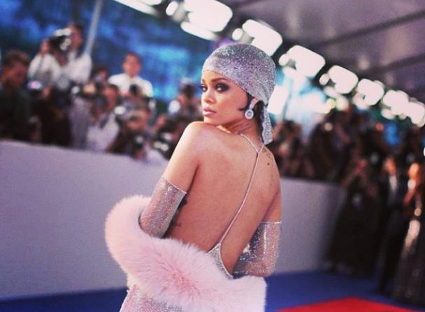 Rihanna Stuns Crowd at the CFDA Awards