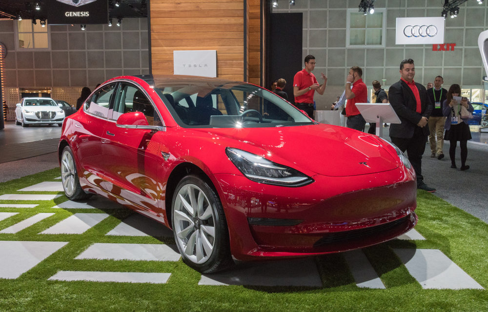 Can Elon Musk's Tesla Experiment Make the Electric Car Profitable?